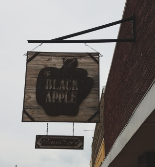 springdale black apple